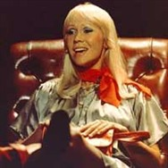 Interview-hunting Ashley dreamed that he was a psychologist with Agnetha as his patient.